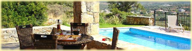 Villa (4) - Terrasse und Swimmingpool